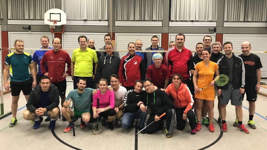 Gruppenbilder des 9. Badmintonnightturniers